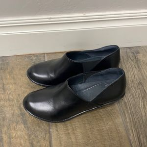 Dansko black shoes size 37.